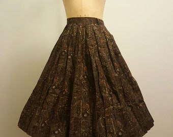 SALE Vintage 1950s Skirt. Novelty Antique Key Print Cotton. 27 Waist.