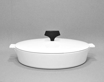 1960s Vintage Corning Ware Buffet Server B-10 Midcentury Modern Cookware Tableware Lidded Casserole Iconic 1960s Timeless Design Black White
