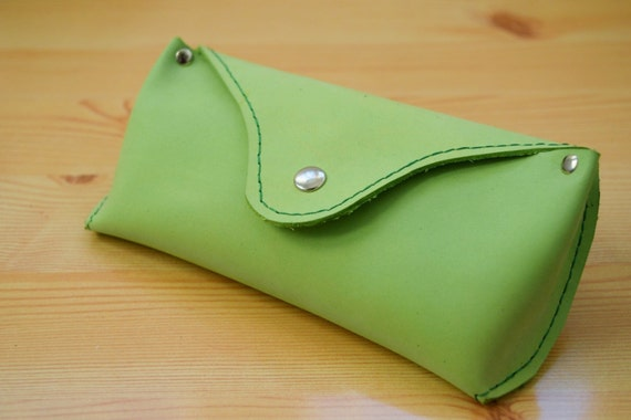 Glasses case,leather cover,sunglasses case,glasses cover,leather case,green leather case,green glasses case,mens glasses case,green case