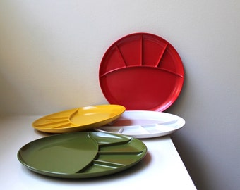 Vintage Mod Plastic Fondue Plates Divided Dishes Set of 4 Melamine Kenro USA 1960's