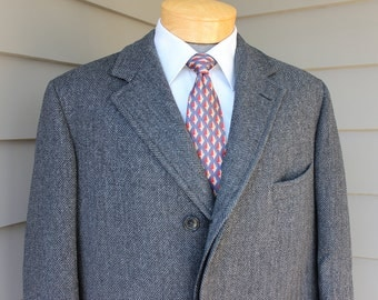 vintage 50's - 60's -Brooks Brothers- Men's wool Overcoat. Charcoal Grey herringbone. Fully lined. Size 39 Long