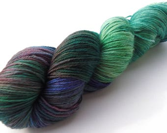 Hand painted Premium high twist sock yarn hand dyed: Solitaire
