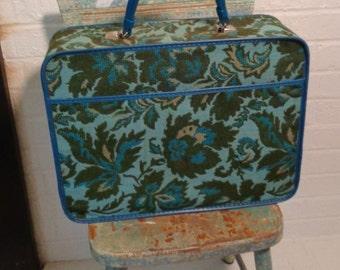 Cute Vintage Avon Suitcase