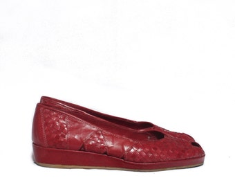 7 1/2 - 8 | Vintage Red Basket Weave Huaraches with Wedged Heels