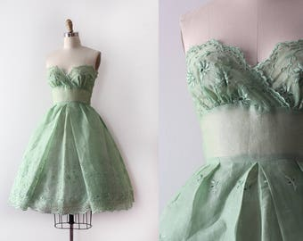 vintage 1950s dress // 50s green eyelet strapless party dress