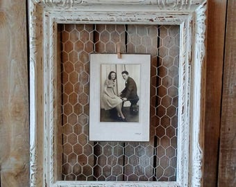 Chicken Wire Frame, Off White Wood Photo board, Shabby Cottage, Rustic Home, French Farmhouse, Wedding, Wall Decor, Savannah's Cottage