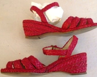 Vintage 1940s Red Straw Ankle Strap Wedgies Shoes Summer Sandals