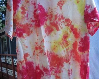 "Tiedye ""Splatter "" T-shirt...size LG (42/44)...59...reds and yellows"