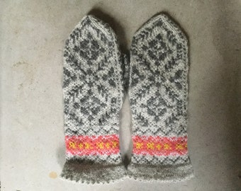warm woolen mittens T R A D I T I O N A L in grey alpaca/wool blend