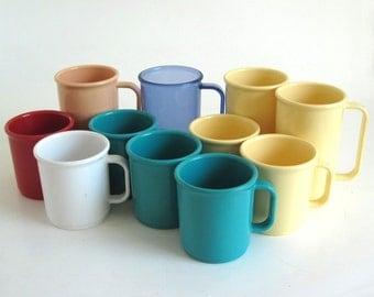 Rubbermaid Coffee Mugs 3813, Tall Mugs 3817, Melamine Plastic Cups Casual Dinnerware