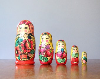 Vintage Soviet Era Russian Matryoshka Nesting dolls - Set of Five Large