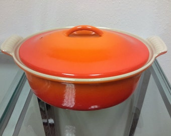 Le Crueset 2Qt Dutch Oven Flame Orange Lidded French Cooking Kitchen Decor Gift