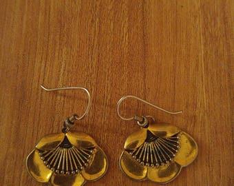 80s Laurel Burch goldtone flower earrings
