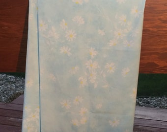 Vintage floral full flat light blue sheet with white dasies with yellow centers, bedding, linens,