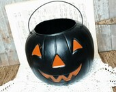 Happy Jack-O-Lantern Black + Orange Pumpkin Bucket Decoration - Vintage Halloween Decor, Pumpkin Fall Plastic Art, Orange / Black Halloween