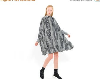 Striped dress, Black and White stripes, Oversize Dress, Flapper Style Dress for day or night, boxy silhouette, Elegant modern dress
