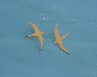 Bird Earrings , Birds Stud Earrings , Gold Birds , Sparrow Earrings , Swallow earrings , Everyday Earrings , Flying Birds Posts