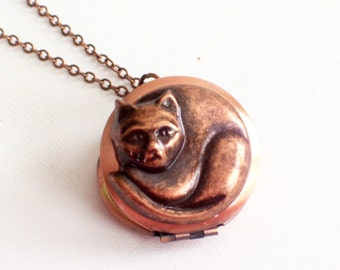 Antiqued Copper Cat Locket, Cat Jewelry, Feline Locket, Animal Jewelry, Kitty Cat Locket Pendant Necklace, Cat Lover Gift
