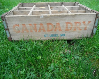 Vintage Canada Dry Divided Wooden Soda Crate - St. Louis MO