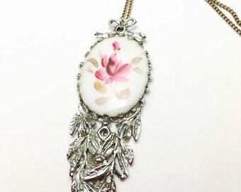 Art Deco Pendant, Painted Flower, Antique Silver Tone, Vintage Pendant, Item No. B625