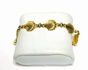 Vintage Shell Bracelet, Gold Tone, simply elegant Mother's Day Sale, Item No. B376