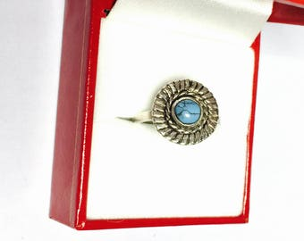 Vintage Turquoise Silver Ring size 7, round shape Stone, Native design, Item No. S119