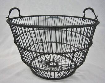Vintage Metal Basket, Primitive