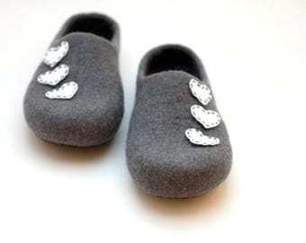 Women house shoes - felted wool slippers - Mothers day gift - grey slippers with white hearts - gift for her - women slippers  wool slippers