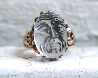 Antique Victorian 14K Yellow Gold Carved Moonstone Face Ring.