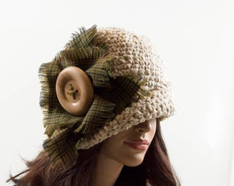 Crochet Cloche Hat with Large Wood Button - Beige, Size M