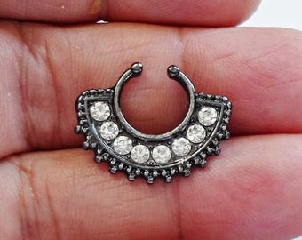 1PC  black Pattern - Fake Nose Ring - Faux Septum -  Nose Ring - Fake Septum Ring - Black Septum Ring