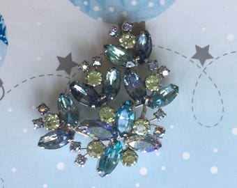 Beautiful Large Vintage Weiss Brooch Blues Yellows