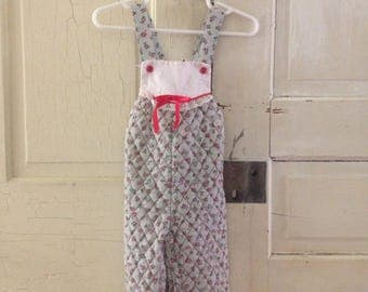 Vintage 18 month cotton overalls! Perfect dainty pattern! Perfect for Christmas!