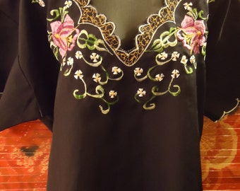 Vintage 1970s Black Embroidered Boho Gypsy Mexican Embroidered Blouse
