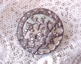 Pretty Brooch Made of Large Victorian Button