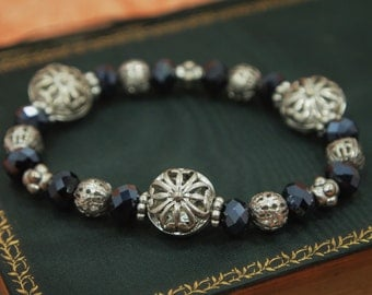 """Glass Bead Bracelet - Silver metal filigree Beads - Vintage Faceted Black Glass Beads - Stretch Bracelet - 6.5"""" relaxed"""
