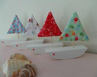 Decorative wooden seaside boats with floral sails, bathroom decor, beachut, seaside decor