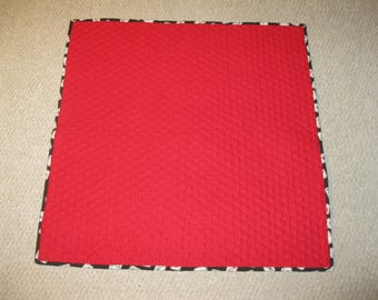 Mahjong quilted card table cover