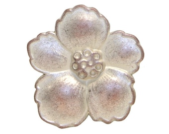 30 Hibiscus 3/4 inch ( 19 mm ) Metal Buttons White Copper Color