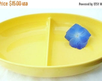 ON SALE Vintage Yellow Watertown Lifetime Ware Divided Melmac Vegetable Bowl, Shabby Chic, Cottage Chic, Travel Trailer