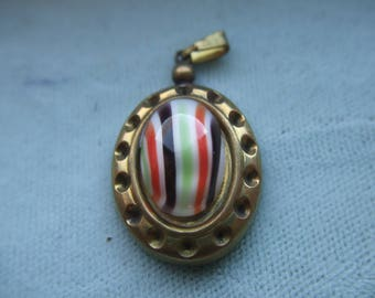 Vintage Pendant Striped Plastic Cabochon in Gold Setting  # YYY 7
