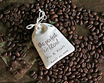 Wedding favor bags, set of 50 personalized coffee or tea favor bags. Script Perfect Blend design in brown. Bridal shower, party favors.