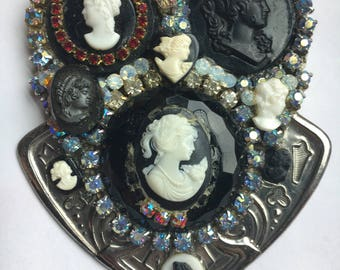 Vintage cameo collage pendant to repurpose!