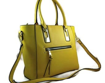 Stylish Yellow Camera Bag    Water Resistant Ladies DSLR Bag