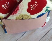 Large Scallop Tote,  Tote with Webbed Handles, Project Tote, Tote with pockets, Tote, Sheep Tote