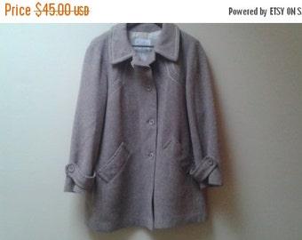 SALE Surrey Classics taupe coat jacket 14 L xl vintage