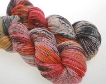 Hand Dyed Yarn 'NULLARBOUR' -  Hand dyed Wool Yarn, Sock Yarn     100g