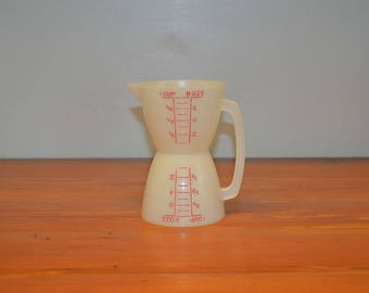 Vintage Tupperware two sided measuring cup double sided wet and dry 1 cup 8 ounces