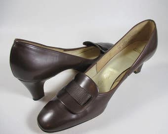 1960s Brown Leather High Heel Shoes Vintage Leather Shoes Brown Pumps Brown Leather Pumps Womens Shoes by Naturalizer 60s Mad Men Mod 7.5 AA