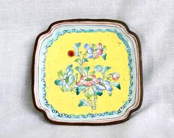 Chinese enameled dish…enameled trinket dish...Canton ware tray...porcelain enamel...China.